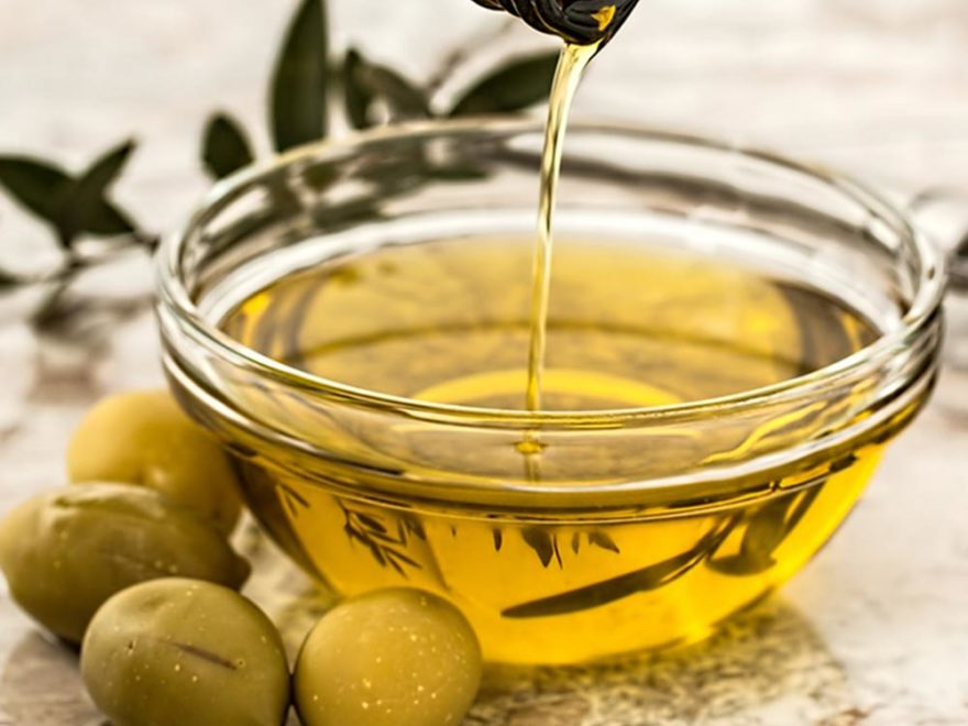 6 Unbelievable Benefits of Olive Oil (Zaitoon Oil)